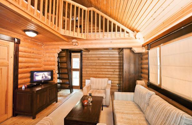 Yastrebets Finnish chalet interior