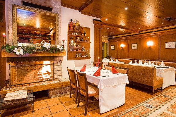 Yastrebets main restaurant