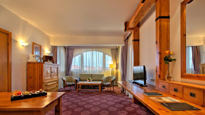 Kempinski Grand Arena Hotel Bansko Alpine Suite Living Room