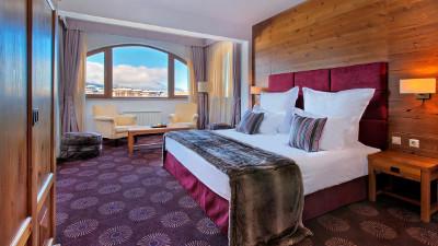 Kempinski Grand Arena Hotel Bansko Deluxe Suite Bedoom