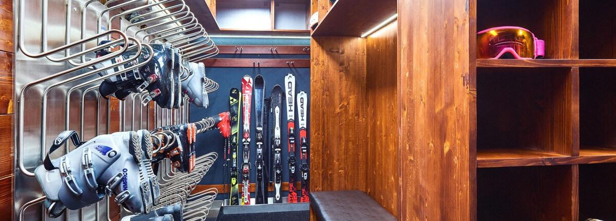 Lucky Bansko-ski-storage
