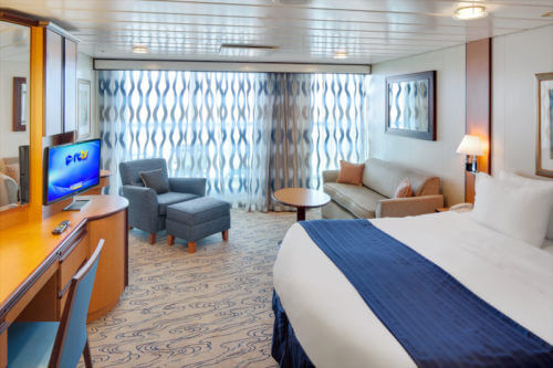 Jewel of the Seas Junior Suite-Living room