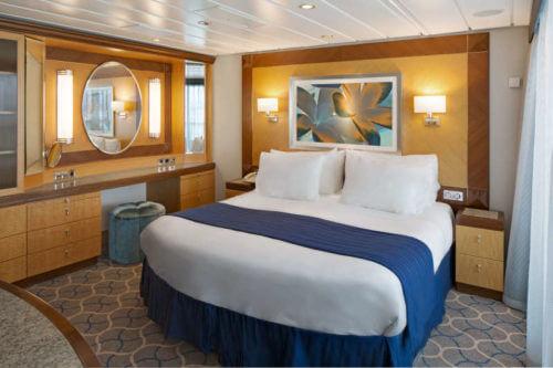 Jewel of the Seas Owner Suite-Bedroom